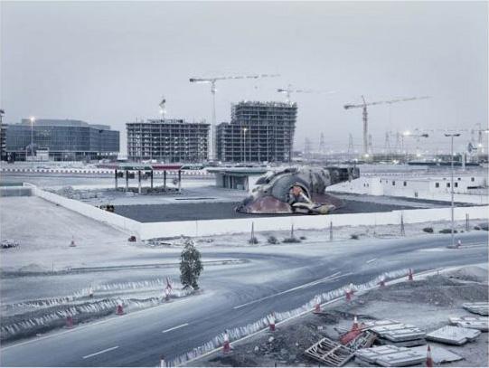法国摄影师以迪拜为背景创作虚幻星球大战